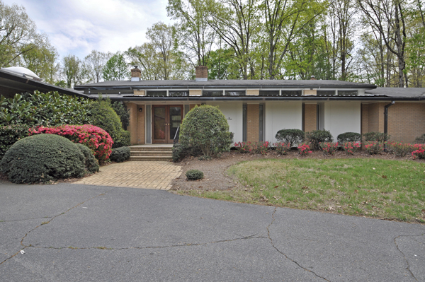 ... Patio Homes For Sale In Charlotte Nc By Fab Mid Century Modern Retreat  In Monroe Nc ...