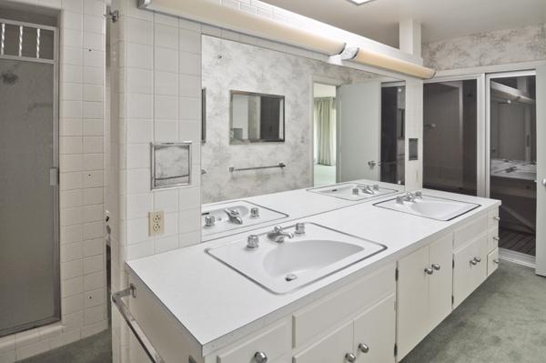 Modern Charlotte - Monroe mid-century modern estate master bath