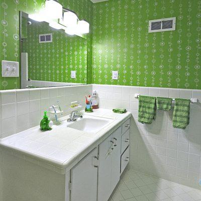 7101 Terrace Dr | mid century modern bathroom