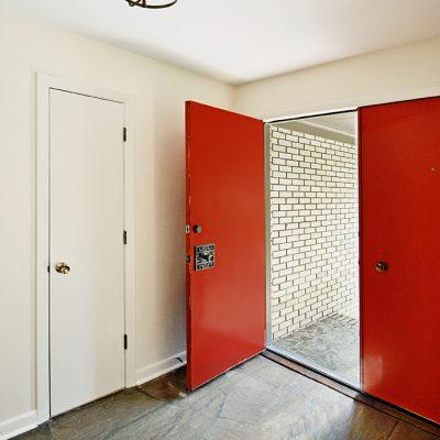 7101 Terrace Dr | Cool Double Door Entry