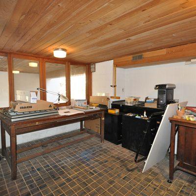 3625 Glenkirk Rd - Studio Overlooking Creek